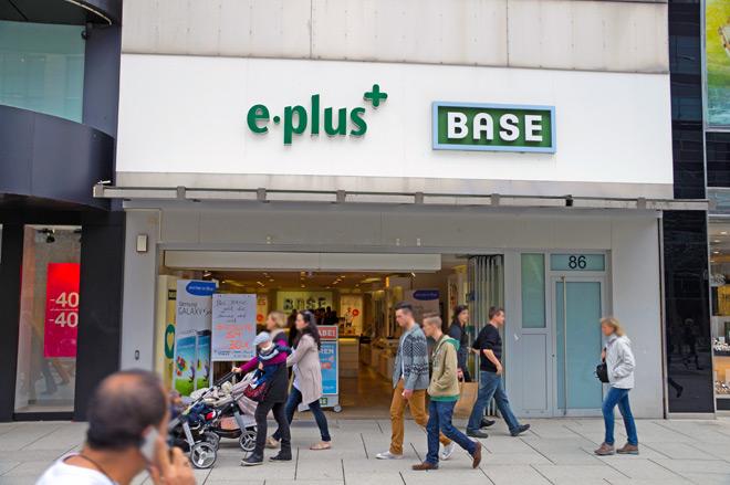 Base & E-Plus Zeil 5